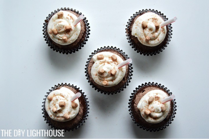 hot-chocolate-cupcakes-frosting