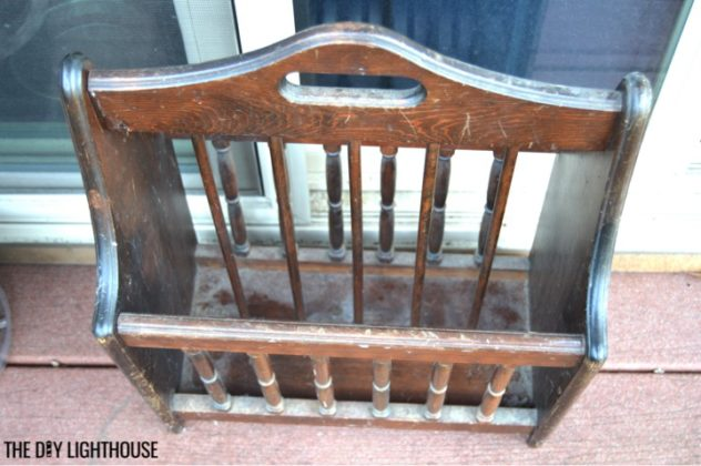 DIY music holder old-vintage-magazine-rack