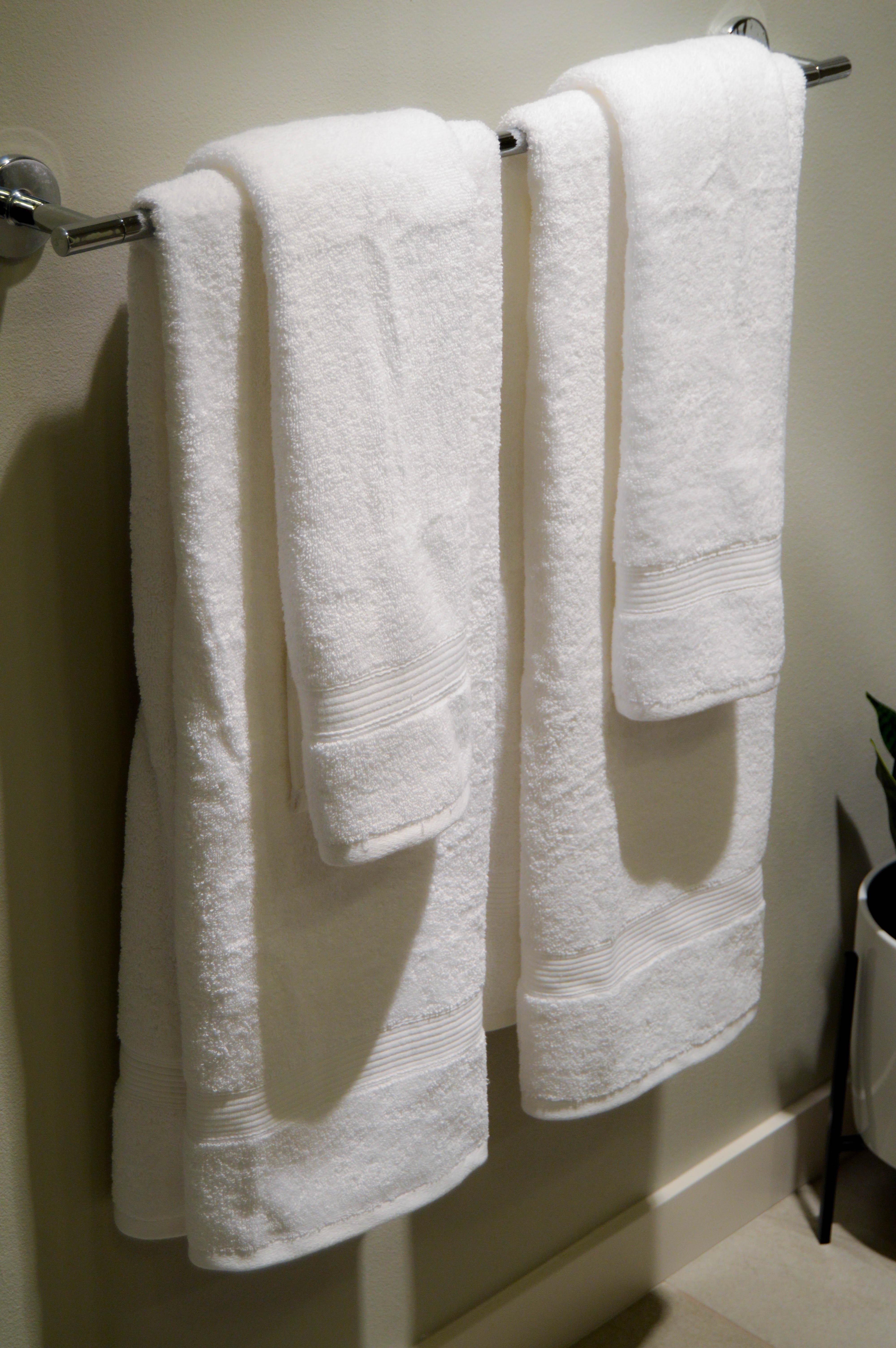 White towels: Bathroom Summer Refresh