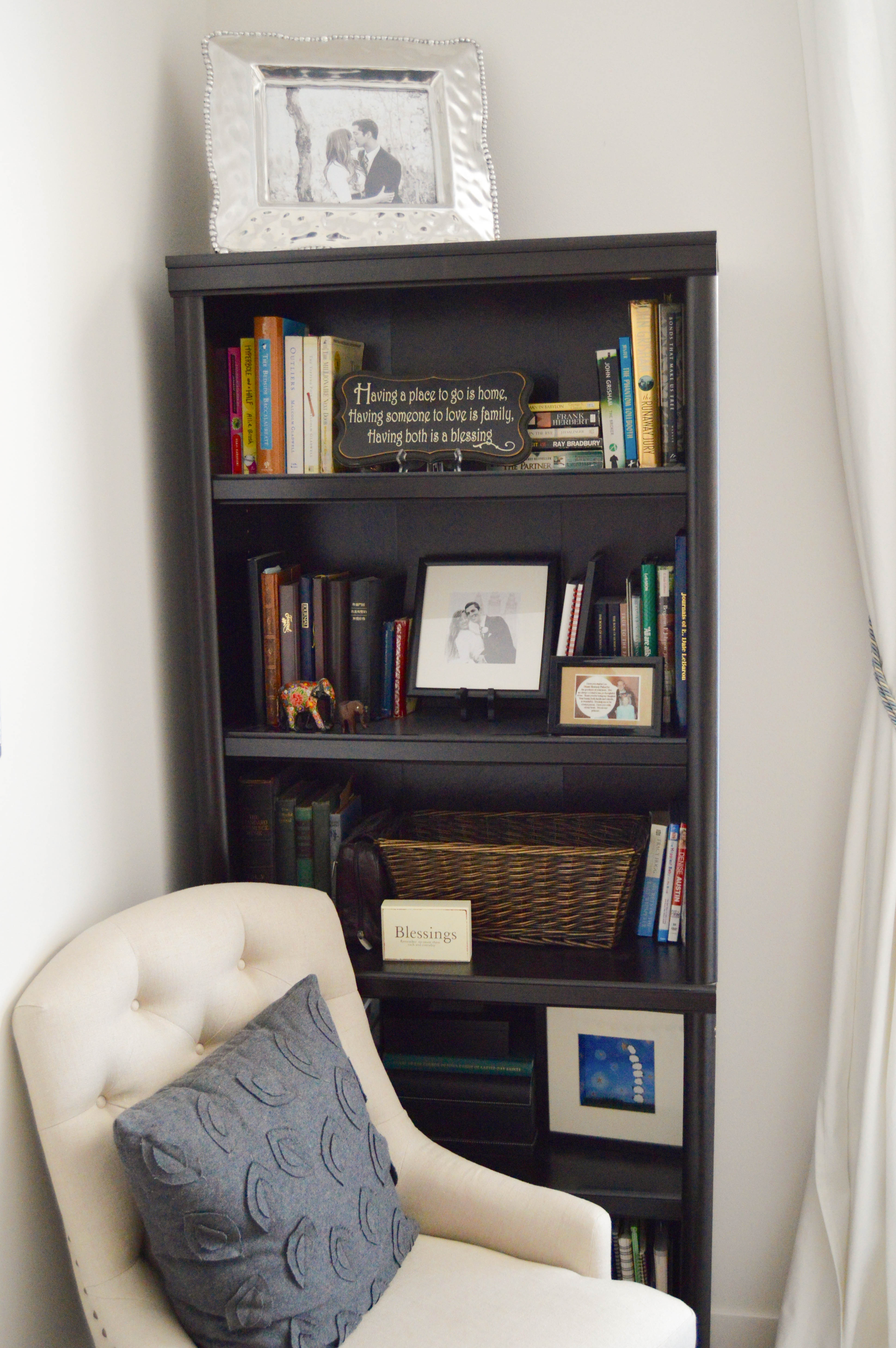 Tips for how to purge and organize your home like a pro. Organizing steps: categorizing and finding homes for things. 5 home organizing rules to live by. Bookcase organizing and arrangement