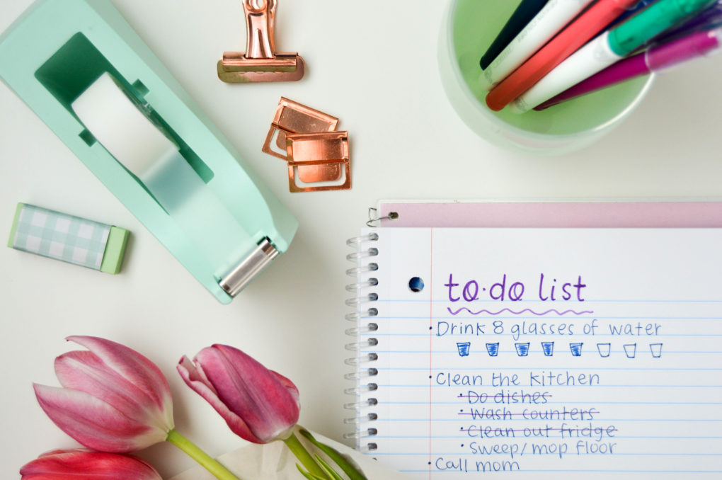 Little Tasks are Good Too! | Organize your day with 5 to-do list tips. Making a to-do list that will help you with long-term goals, motivate you, + make accomplishing tasks more fun. | DIY daily organization ideas and creative ways to maximize your notebook or planner.
