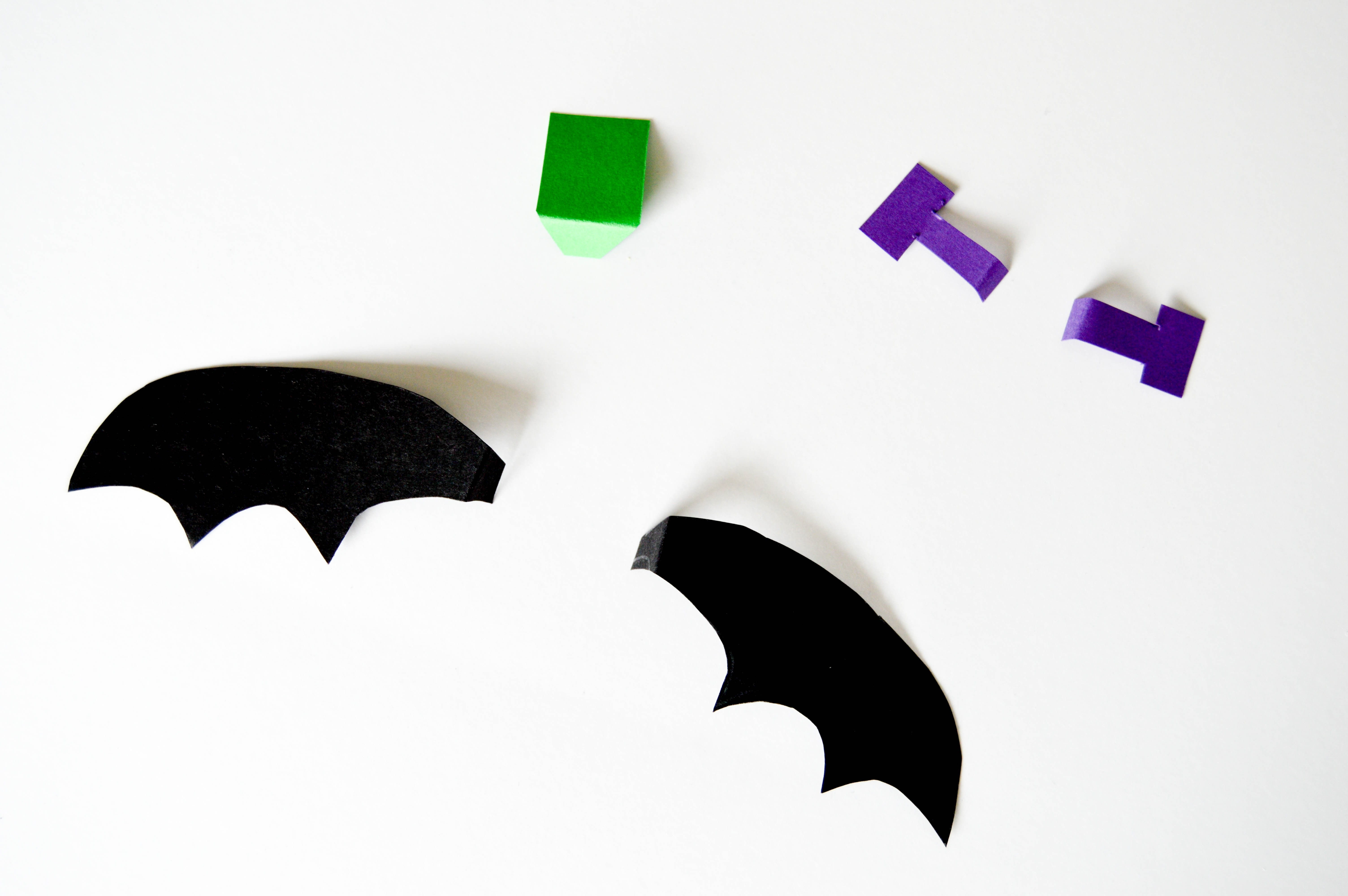 Halloween Pudding Cups & Jello Cups | Paper add-ons for Halloween craft