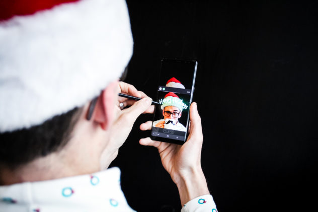 Party Planning Hack for the Holidays live messaging