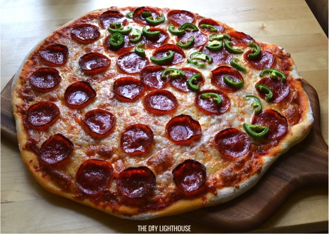 the best homemade pizza recipe toppings and combo ideas the diy