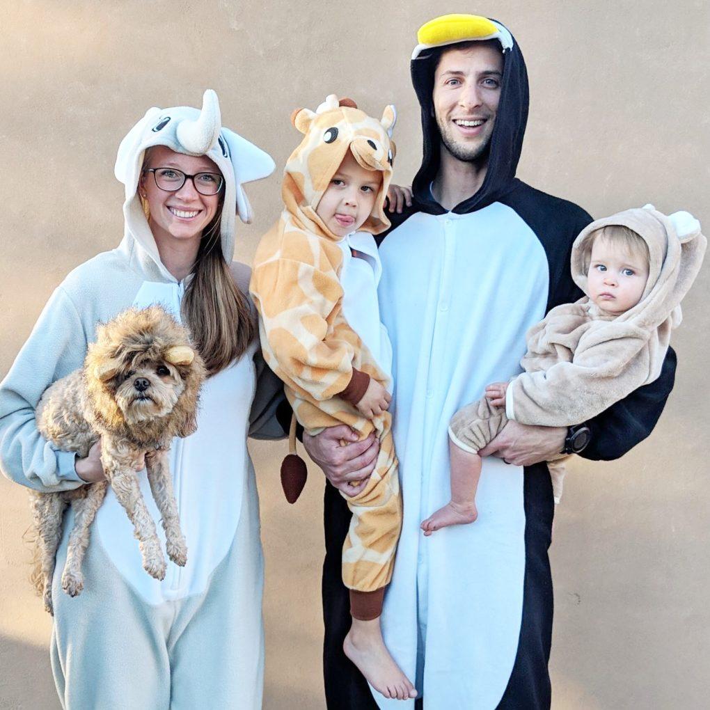 Easy Family Group Halloween Costume Ideas - The DIY Lighthouse